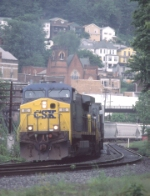 CSX 80, train Q317 leaving town
